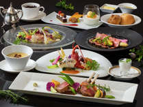 伊豆に来たならぜひ愉しみたい「伊勢海老」を含む「伊豆の恵みフレンチ」地元産魚をどうぞ!