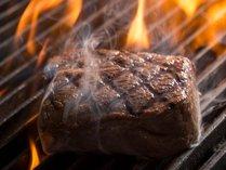厳選食材をこだわりの製法で調理。