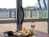関門海峡を眺めながらの優雅な朝食タイム♪