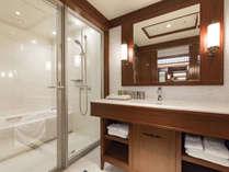 【プレミアデラックスツイン】プレミアルームは全室バストイレ別。洗面台もあり快適。