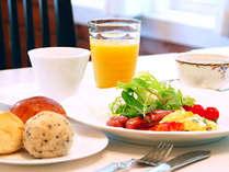 朝食一例(パン&ドリンクおかわりOK)