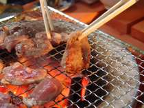 秘伝の自家製ダレでいただく!オーストラリア産 生ラム肉の炭火焼
