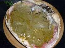 蟹味噌の香ばしい香りと濃厚な旨味がたまらない!蟹甲羅焼♪(一例)