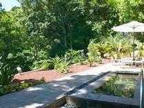 ガーデンスパ「湯森」は貸切で利用できる温泉露天風呂。