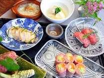 和食の割烹コースは旬の幸満載。おいしい日本酒や山梨のワインも揃っています。