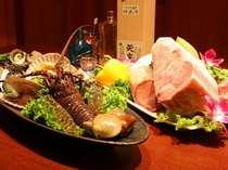 網焼香房「輪」 国産黒毛和牛や魚介の新鮮な食材を自分好みに焼いて楽しめます。