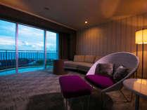 ■ツイン・コーナー■2面の窓から見渡す<パノラマの海>は、空の移り変わりも楽しめます。