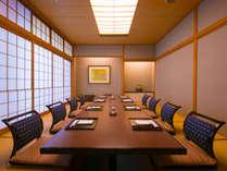 <和琉ダイニングあんのん>離れ感覚の純和室タイプの個室。掘りごたつのお席で語らう美食時間。