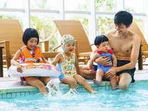 【悪天の日でも遊べる】テラスの屋内プール♪子供も楽しい室内ジャグジー完備♪