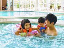 【ジャグジーコーナー】家族でたのしめる室内プールですっ♪