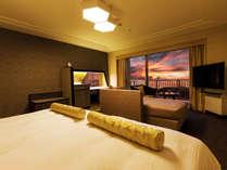 <19年8月改装>■ツイン・イーストウィングB■沖縄の夕景に心洗われる<上階層客室>