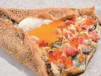 【Farm to Table TERRA】新鮮野菜サラダバー&道産食材を味わう♪メインが選べる『朝食ハーフバイキング』