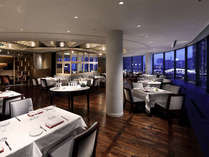 【イタリアンレストラン ベラ コスタ】改装後、ディナータイムは幻想的な雰囲気に。