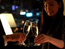 いつもより華やかな夜を♪二人で過ごす特別な記念日。お部屋へのシャンパン手配、承ります。