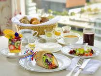 お花のフロアで、朝陽を浴びながら総料理長監修『Chef's Bouquet』朝食を食べて一日のスタートを。