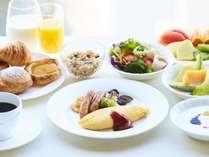 ふわふわのオムレツがお楽しみいただける朝食(イメージ)