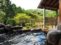 開放感豊かな無料貸切露天風呂(ほたるの湯)もちろん源泉掛け流しです!