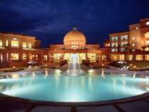 ■庭園より■夜のコラソンホテルはまるで時間が止まったかのよう