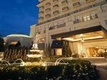 ホテルグランドティアラ安城正面玄関の様子