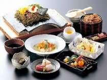 【5/3・5/4】 ご夕食レストラン 名物瓦そば&本格和食を堪能♪ 瓦そば本店美味会席