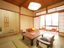 【和室】最大5名様定員のゆとりと安らぎそして清潔感溢れる和室でごゆっくりお過ごしください