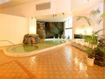 「白浜の湯」ナトリウム塩化物泉で、お肌が滑らかに♪美人の湯と言い伝えられております。