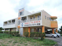 *外観/ゲストハウスの気軽さとビジネスホテルのプライベート感を大事にした宿で快適な宮古島滞在を!