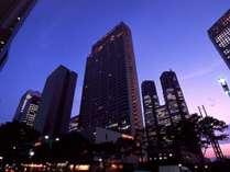 47階建ての超高層ホテルで、キラキラ輝く夜景を楽しみませんか?
