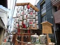 日本三大祭りの一つ祇園祭 組子の目の前にも油天神山が設置されます