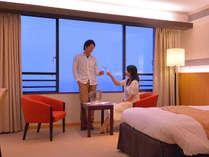 【ロイヤルルーム】海を望む客室にてお過ごしいただけます
