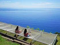 【ガーデン】相模湾を目の前に寝転がれる絶景ハンモックベンチが登場しました♪