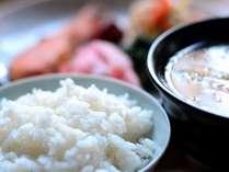 地元の食材を使った体に優しい和朝食で朝から元気に♪