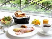朝食 アメリカンブレックファスト一例