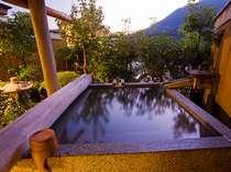 【花くらぶ】露天風呂付客室:あなただけの温泉で大人のくつろぎの時間をお過ごし下さい