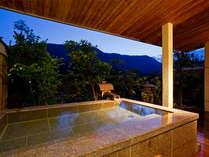 【花くらぶ】貸切露天風呂(月湯):あなただけの温泉がここにあります♪