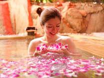 【花すみか】女性露天風呂・・・デンファレを浮かべた「はな露天」 ※朝のみ