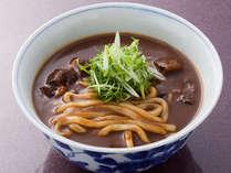 お夜食に紅梅亭オリジナル カレーうどん(一例)地元のこんぴら大蒜を使った刺激的なカレーです