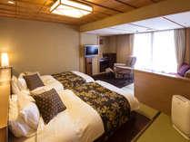 【花くらぶ‐らくわツイン】ベッドの快適性と、和の落ち着きを兼ね備えたお部屋。