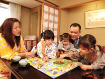 家族旅行に最適なタイプ豊富なお部屋と、様々なサービスをご用意しております。