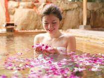 ■B1F花すみか■清廉なランの香りを楽しめるのは朝のひとときだけ【はな露天】(婦人風呂)