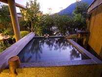 【花くらぶ‐客室露天風呂】好きなときに好きなだけ、上質な温泉を楽しめます