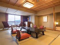 [一般客室‐和室15帖]3世代のご家族旅行にもおすすめの広々とした空間。