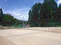 専用テニスコート3面