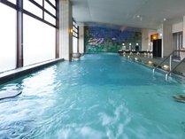 ◆男性大浴場(内湯):温泉の泉質はナトリウム・カルシウム塩化物泉。湯冷めしにくい「美肌の湯」です。