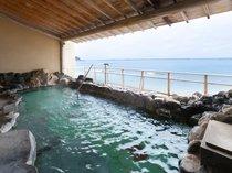 ◆女性露天風呂:波打ち際の露天風呂で、日頃の疲れを癒して温泉三昧をお楽しみください。