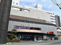 ◆歴史ある輪島の朝市、輪島キリコ会館までは車で約3分。観光に便利な立地です。