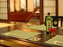 個室でゆっくり語らいながら秋田の地酒を愉しむ