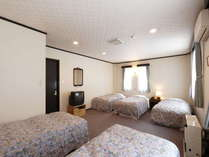 広々とした洋室5人部屋。ファミリー、グループにお薦め。3名様からご利用頂けます。