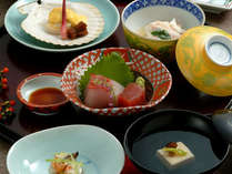 *旬な食材をメインとした和食「ミニ会席」(一例)