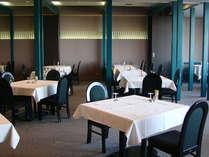 *館内レストラン「セピオーラ」にて、ごゆっくりとお食事をお楽しみください。